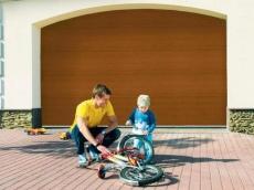 фото Alutech TREND Ворота гаражные секционные с пружинами растяжения