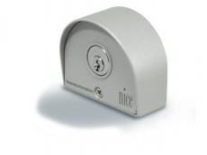 фото Nice SELE Ключ-выключатель управления накладной